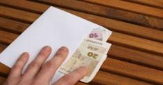 Что делать если у Вас вымогают взятку?